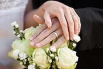 Как выбрать обручальное кольцо: свадебный гид