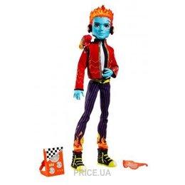 Mattel Monster High Холт Хьюд Базовый с питомцем (V2324)