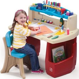 Фото STEP2 Deluxe Art Master Desk (702500)